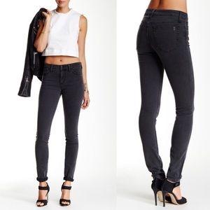 Joe's Jeans Skinny Jeans in Dori Wash